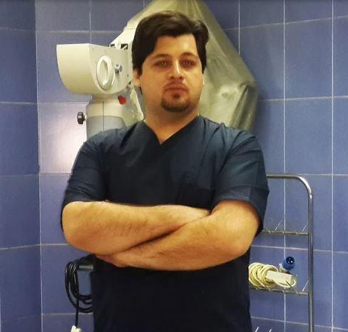 دکتر علی قارونی